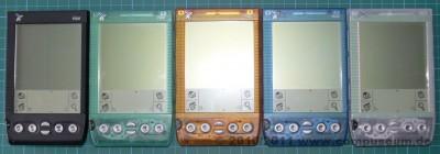 Alle fünf Farbvarianten des Handspring Visor Deluxe