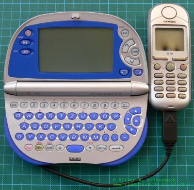 T-D1 Messenger 500 mit angeschlossenem Mobiltelefon