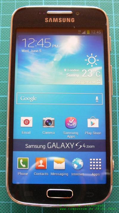Samsung Galaxy S4 Zoom vorne