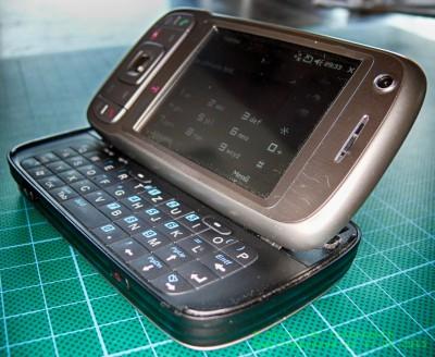 HTC Tytn II offen gekippt
